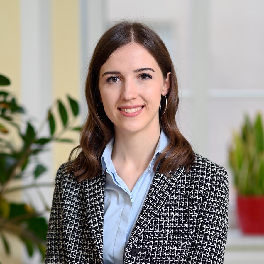 Mag. Johanna Zemrosser